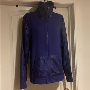 Under Armour running/sports gear purple size S